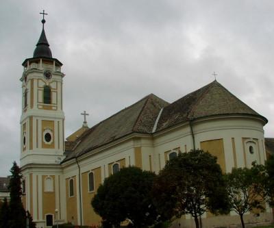 Bajai látnivalók - Ferences templom